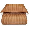Edredon con almohadas