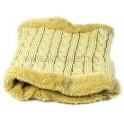Cuello de lana y tejido cálido